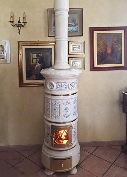 Stufa a legna in ceramica tonda ceramiche cielle dal 1814 stufe in ceramica di castellamonte - Stufa a legna in ceramica ...
